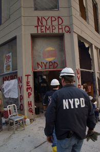 393px-September_11th_NYPD_TEMP_HQ_Burger_King_WTC_New_York_City